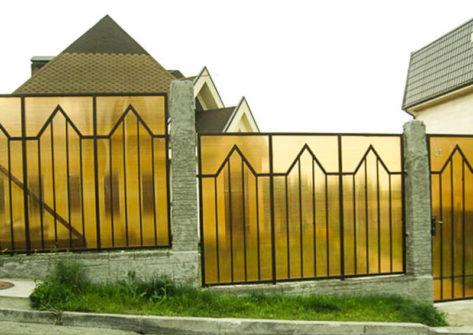 заборы дома поликарбоната
